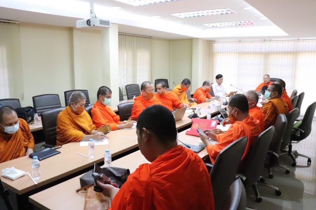 630730 14.10 ประชุมรับฟังคำปรึกษาหลักสูตร วพท จาก รศ.ดร.ไทย 11